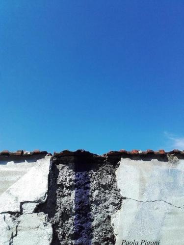 mur ciel trop bleu.jpg